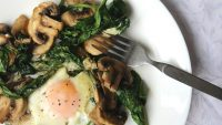 Keto Eggs Spinach and Mushrooms Breakfast Skillet