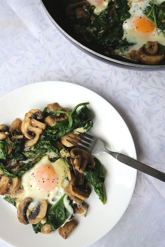 Keto eggs spinach and mushrooms breakfast skillet recipe