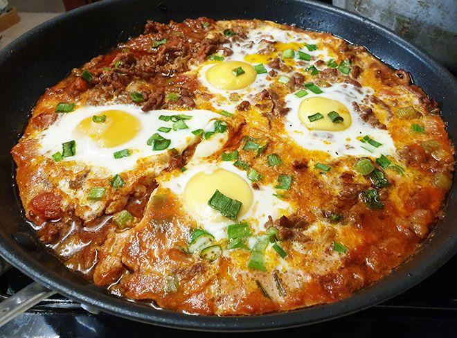 Keto Ground Beef Baked Eggs Breakfast Skillet