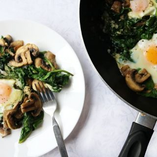Low Carb Eggs Spinach and Mushrooms